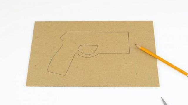 Как сделать крутой электрошокер из картона своими руками!