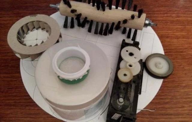 Как сделать автоматического робота пылесоса своими руками