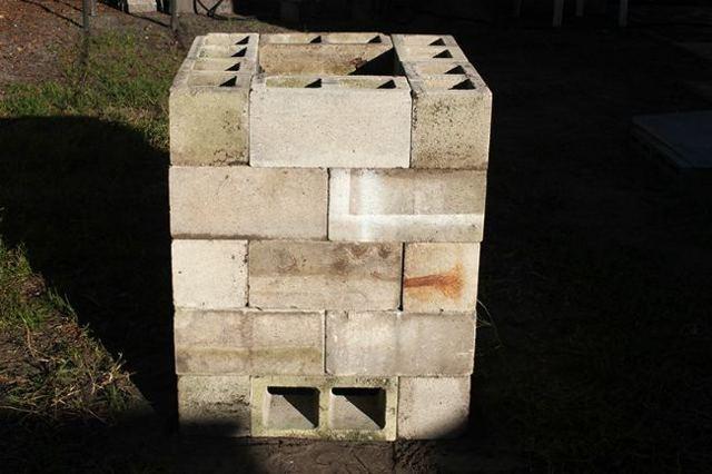 Капитальная коптильня холодного копчения из блоков своими руками