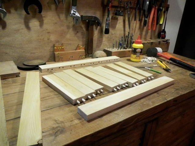 Деревянный столик  для ноутбука своими руками