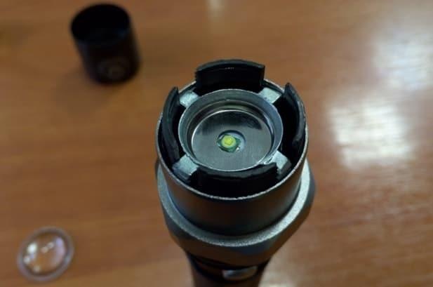 Простой фонарик из кроны и светодиода smd 5730  своими руками