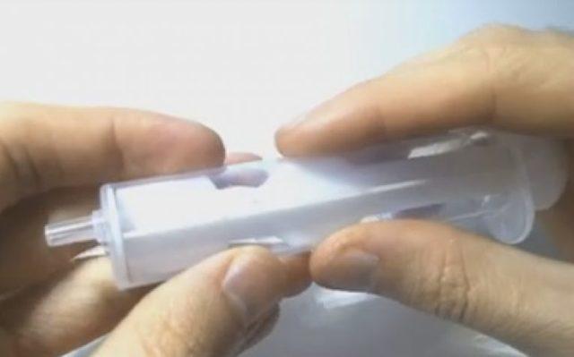 Карманная удочка из шприца своими руками