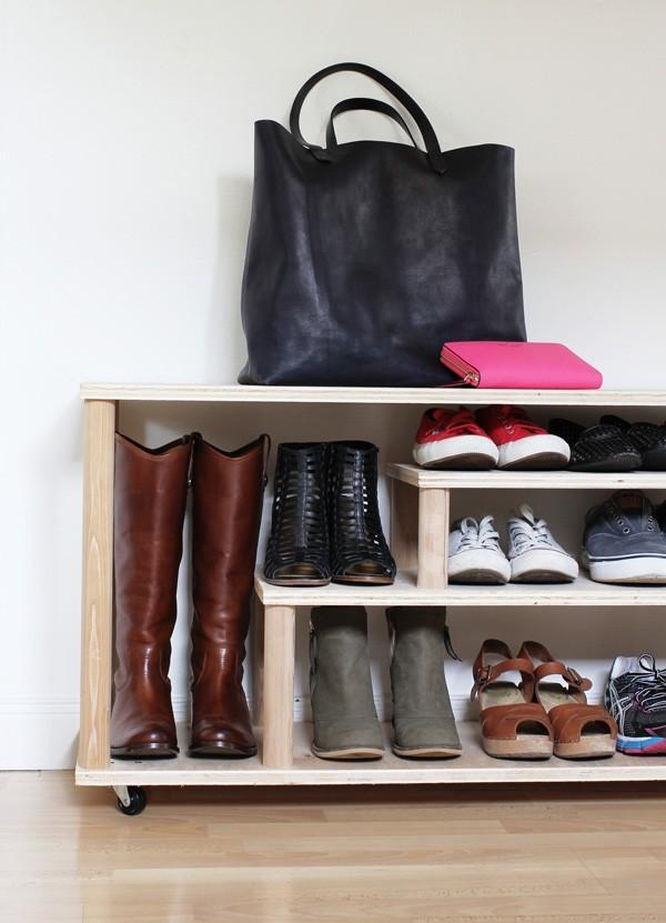 Обувница в несколько отсеков своими руками