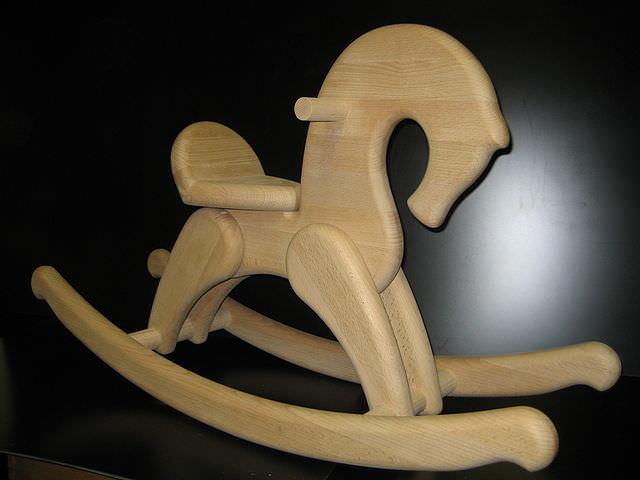 Лошадка-каталка своими руками