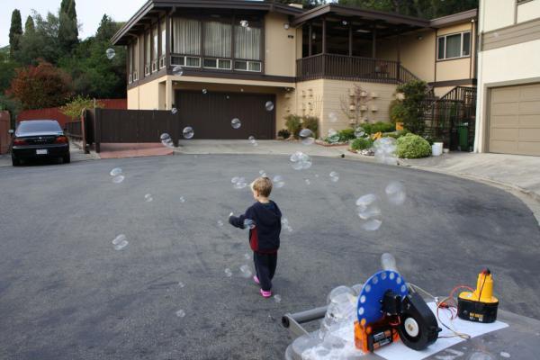 Генератор мыльных пузырей своими руками