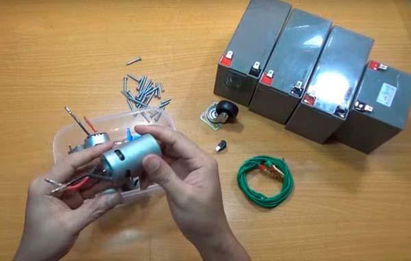 Как сделать мини токарный станок своими руками