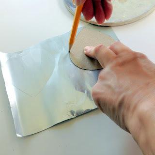 Подсвечник из алюминиевой банки своими руками