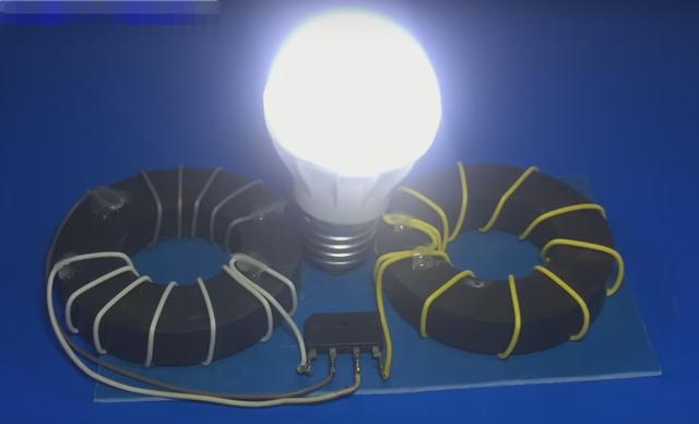 Как сделать простейший «вечный фонарик» или генератор Фарадея своими руками!