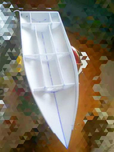 Как сделать гоночную лодку на радиоуправлении своими руками