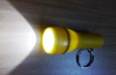Мини фонарик в пробке своими руками