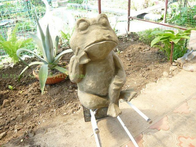 Регулируемая подставка «лягушка» своими руками