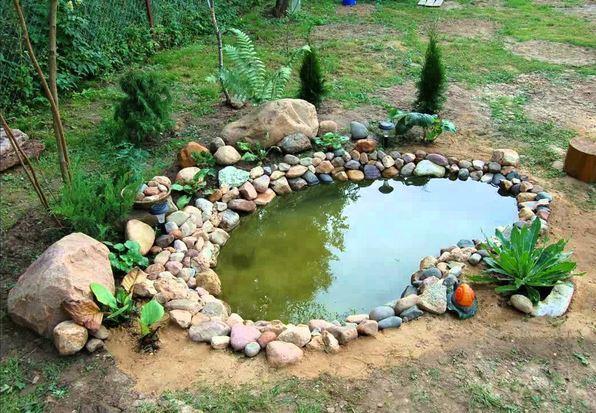 Мини-водоем из старой ванны своими руками