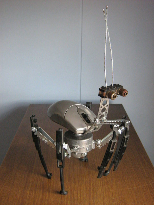 Вибро робот из любого мобильного своими руками
