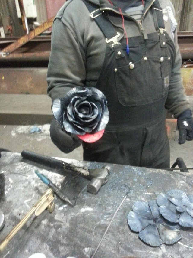 Цветок из металла своими руками