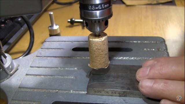 Лепестковая шлифовальная насадка своими руками