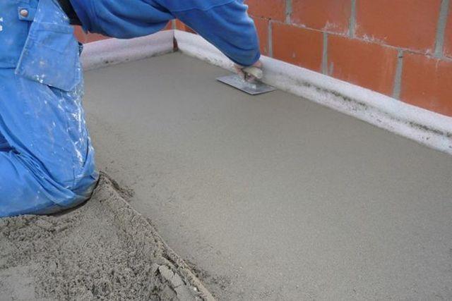 Делаем песчано-цементную стяжку своими руками