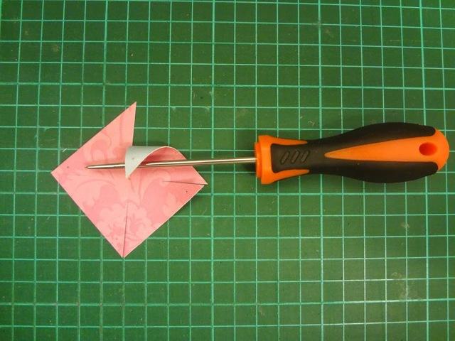 Как сделать простую, электрическую мельницу из гофрированного картона своими руками