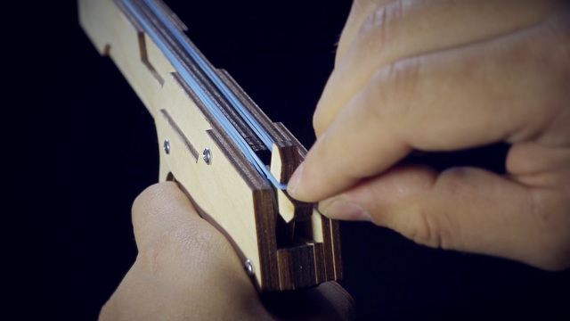 Резинкострел в виде дробовика своими руками