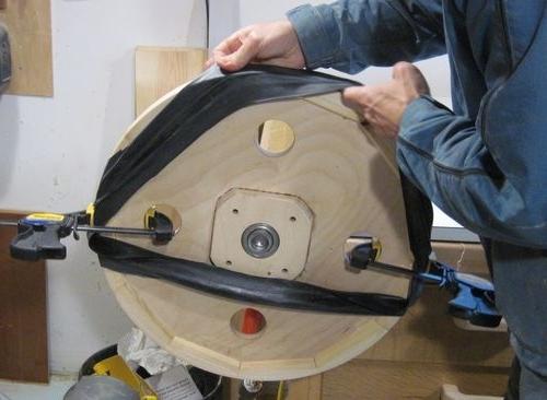 Усовершенствование направляющего механизма ленточной пилы своими руками