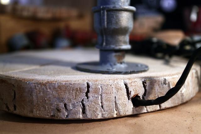 Масляный светильник из сантехнических деталей своими руками