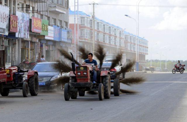 Трактор Самоделкина из старой швейной машинки своими руками