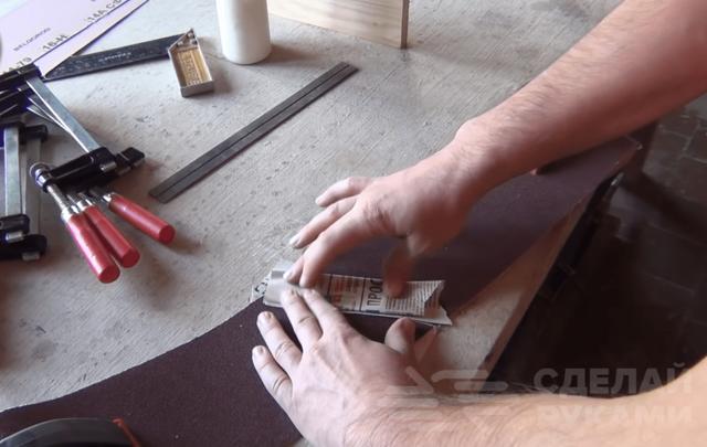 Смычковый держатель для шлифовальной ленты своими руками