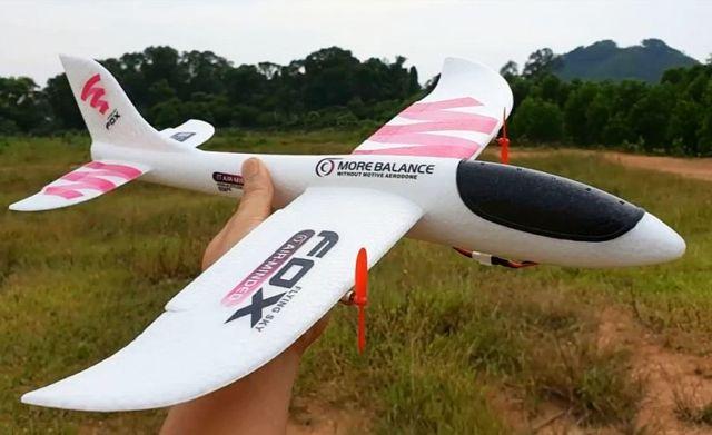 Радиоуправляемый самолет из пенокартона своими руками