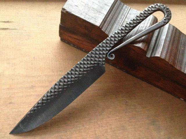 Простейший качественный нож своими руками