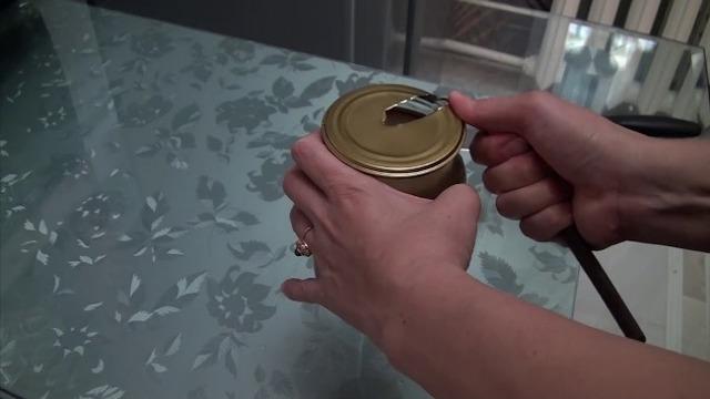 Приспособление для открытия банок своими руками. Как легко открутить крышку.