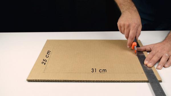 Как сделать полностью рабочий сейф из картона своими руками!