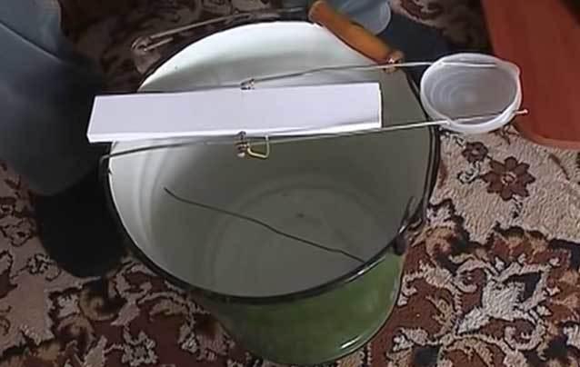 Мышеловка из бросового материала своими руками