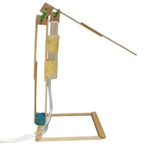 Как сделать очень простой и компактный гидравлический пресс из шприцов своими руками!